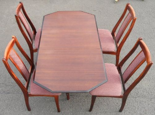 Mahogany Dropleaf Dining Table & Four Chairs